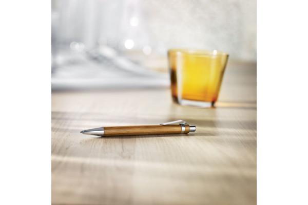 Ручка из бамбука