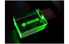 USB-флешка на 32 Гб прямоугольной формы, под гравировку 3D логотипа, материал стекло, с деревянным колпачком красного цвета, зеленый